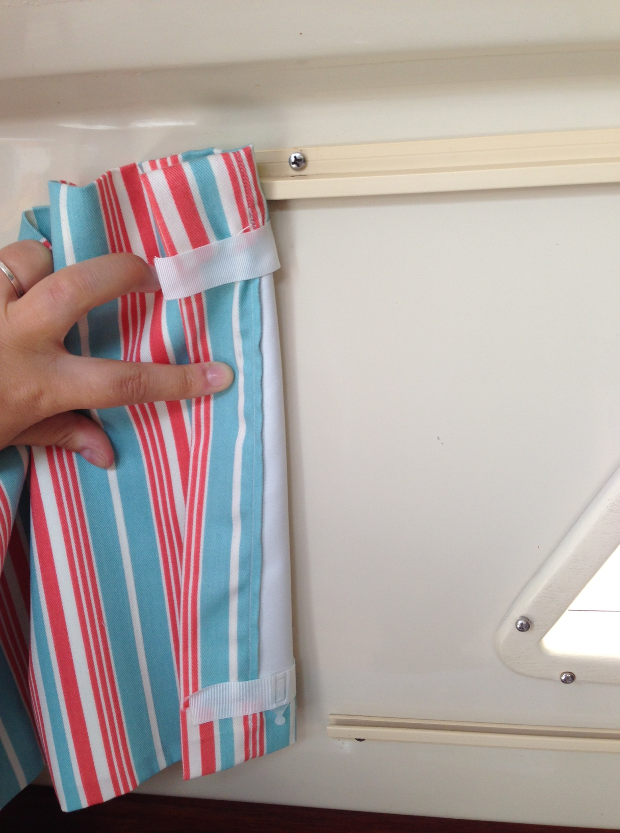 sewing 101: boat curtains | sailing journey