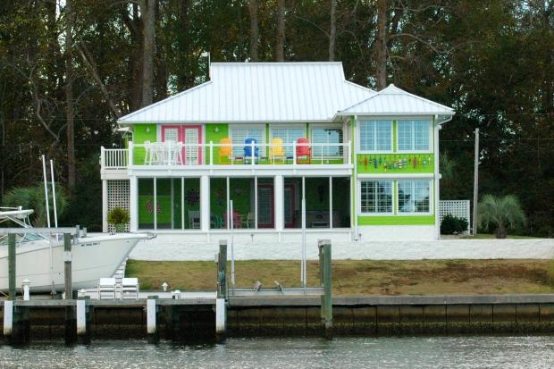 An adorable house on Adams Creek Canal, NC.